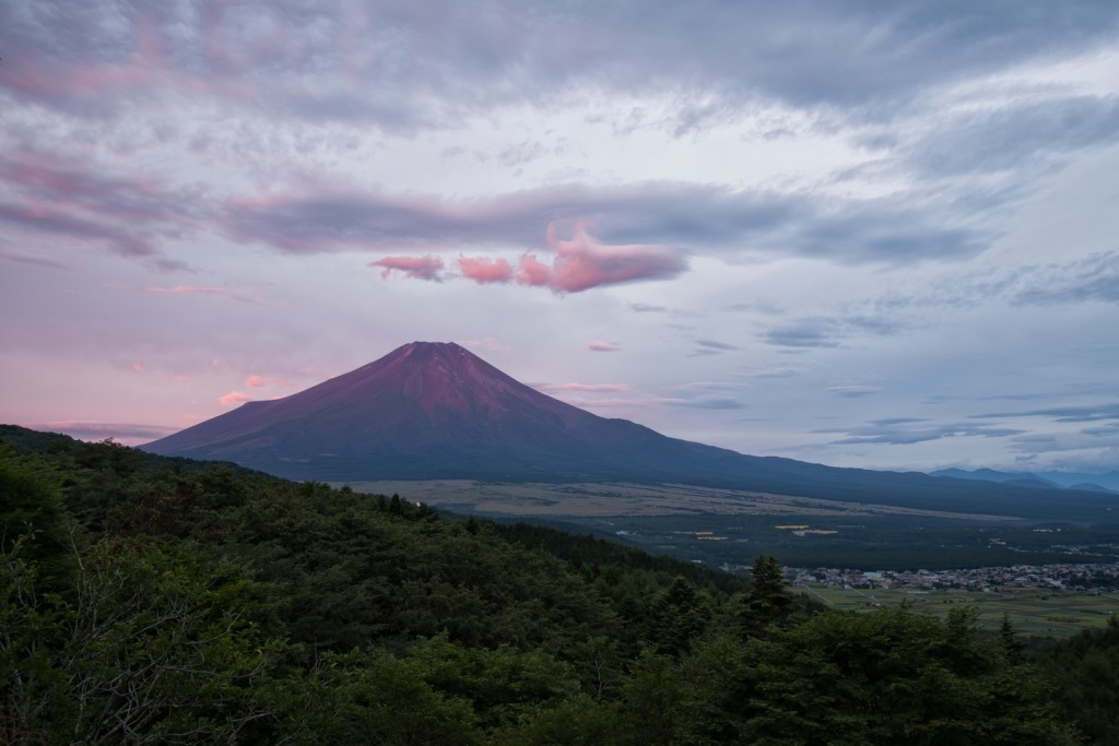 YUGA KURITA Nikon D800E Mount Fuji RED FUJI Sunrise Dawn SIGMA ART 24-105mm_KE48634