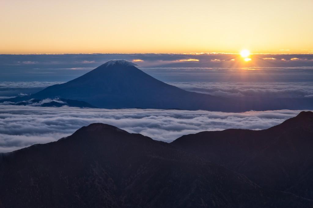 Yuga Kurita Mount Fuji Sunrise Akaishidake_9E40503